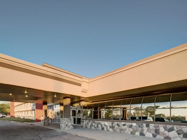 Edmonton International Airport Parking >> Sands Inn & Suites :: North Edmonton Hotel :: pet friendly & VLTs